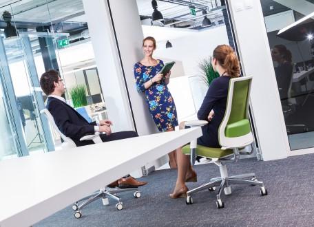 Axia Smart Active dé kantoorstoel tegen sedentair gedrag.